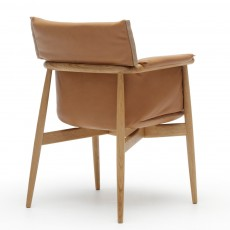 E005 Embrace Chair