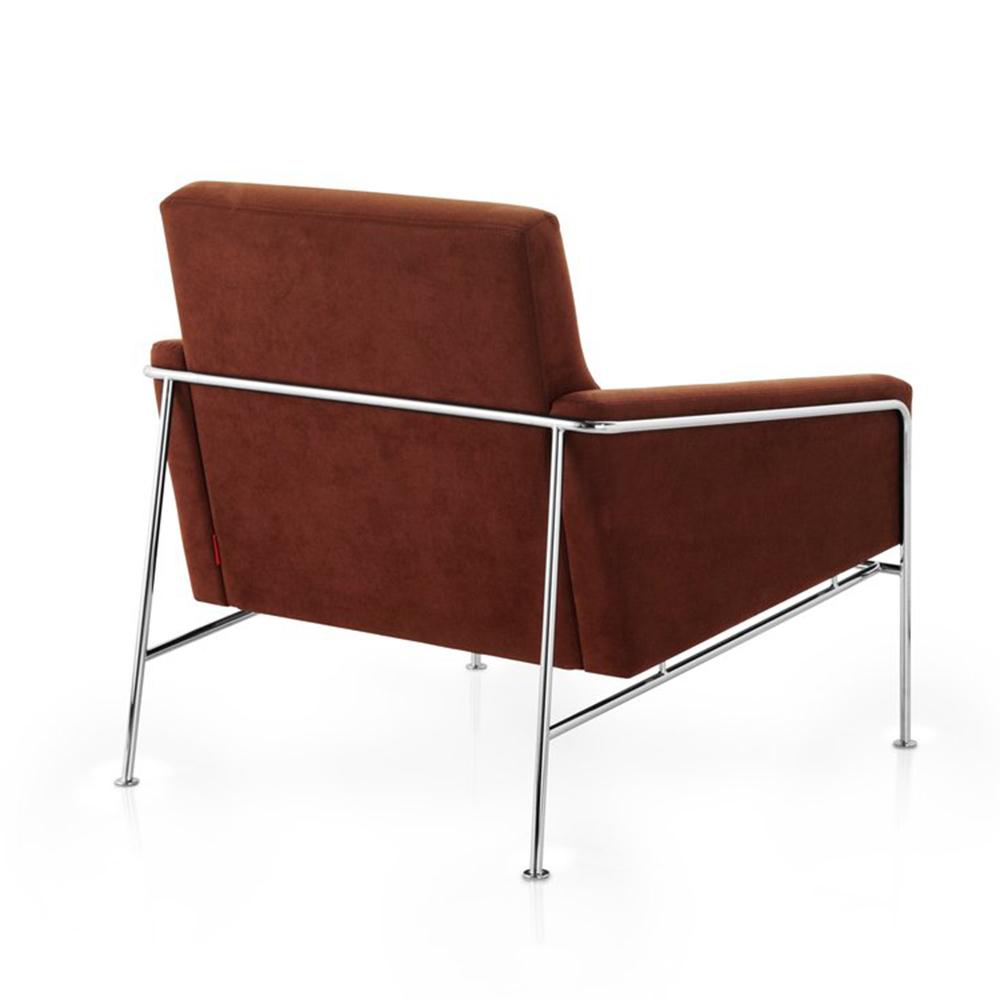 Series 3300 lounge chair designed by Arne Jacobsen for Fritz Hansen