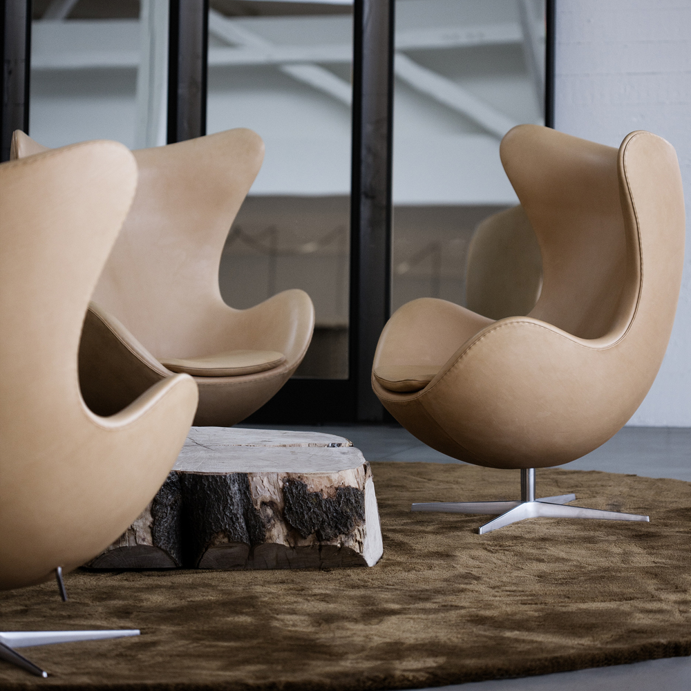 egg chair arne jacobsen fritz hansen suite ny. Black Bedroom Furniture Sets. Home Design Ideas