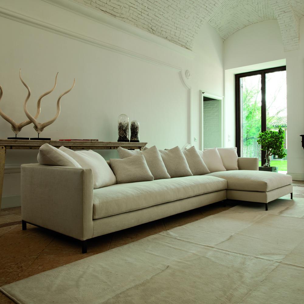 Hampton Sofa designed by CRD Verzelloni for Verzelloni