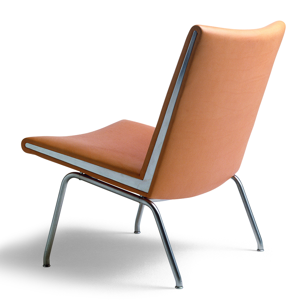 CH401 designed by Hans J. Wegner for Carl Hansen & Son