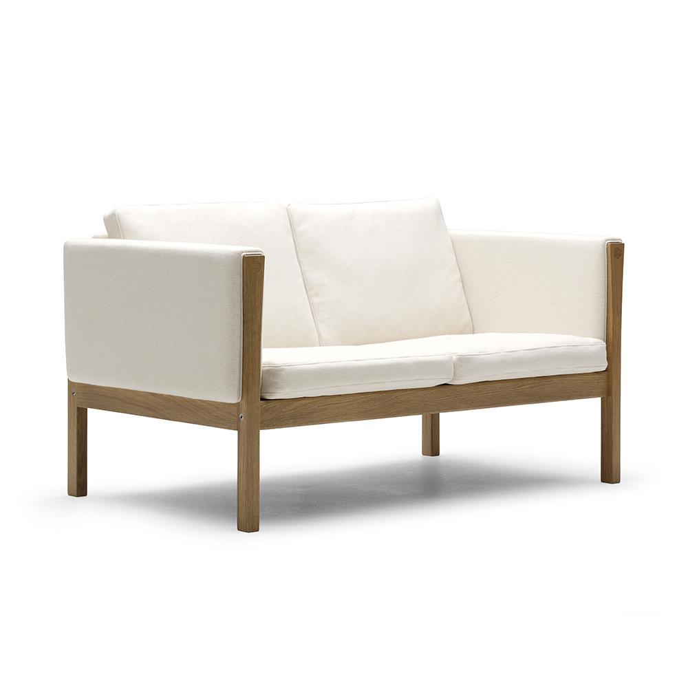 CH 162 Sofa designed by Hans J. Wegner for Carl Hansen & Son