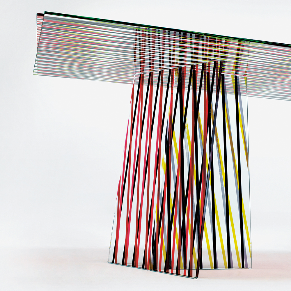 Crossing designed by Patricia Urquiola for Glas Italia