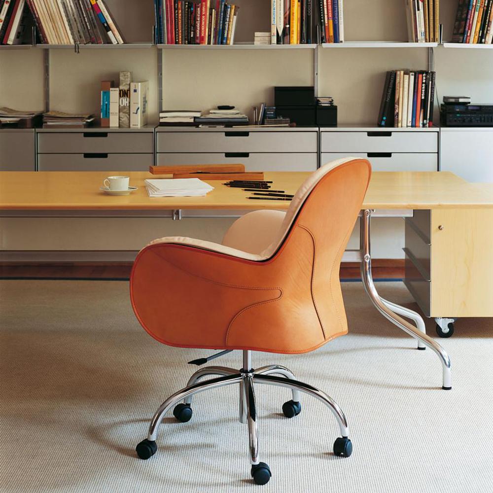 Serbelloni chair designed by Vico Magistretti for De Padova