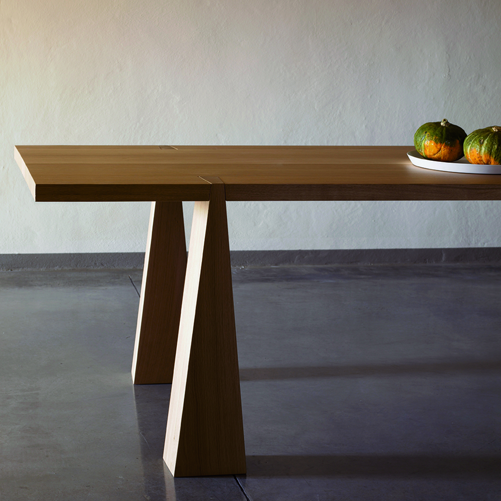 Incas Table designed by Angelo Mangiarotti, manufactured by AgapeCasa.
