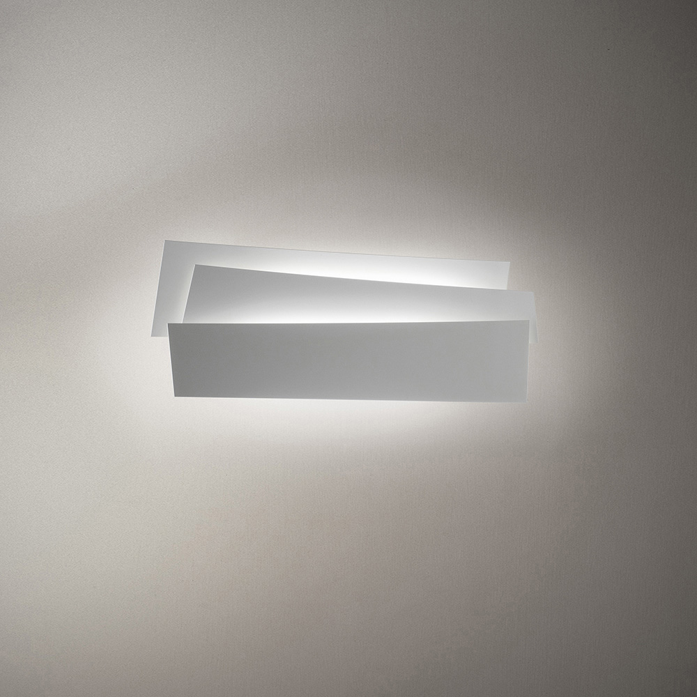 Innerlight scuptural wall light designed by SImon Pengelley for Foscarini