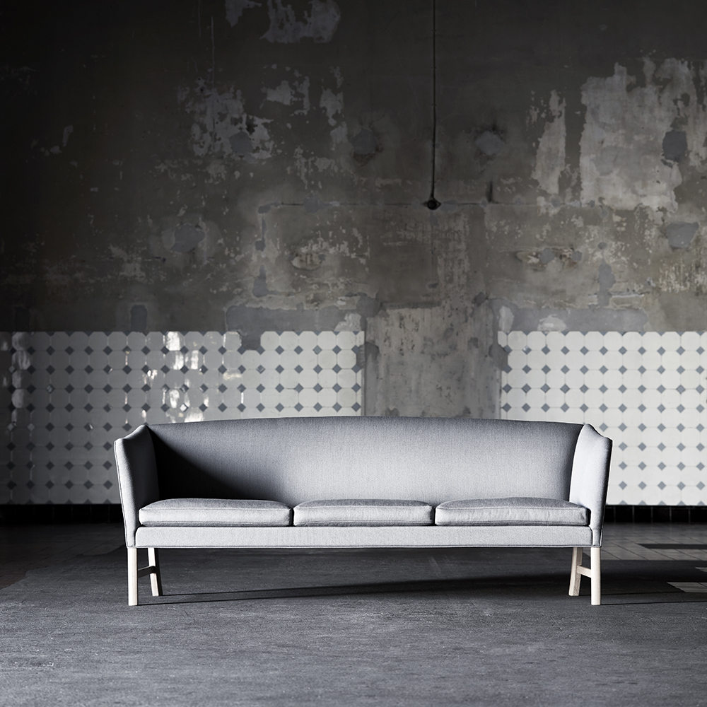 OW603 Sofa designed by Ole Wanscher, manufactured by Carl Hansen & Son\