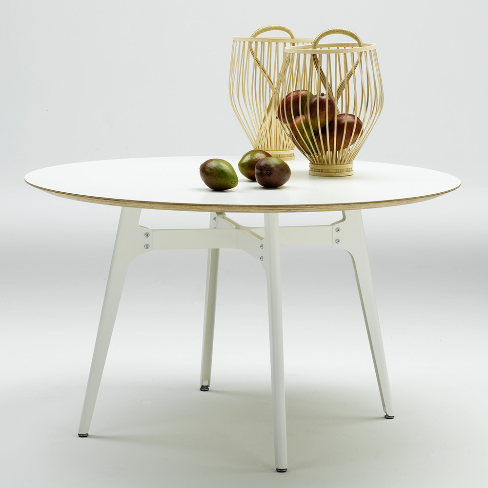 Otis table designed by Lorenz Kaz for De Padova