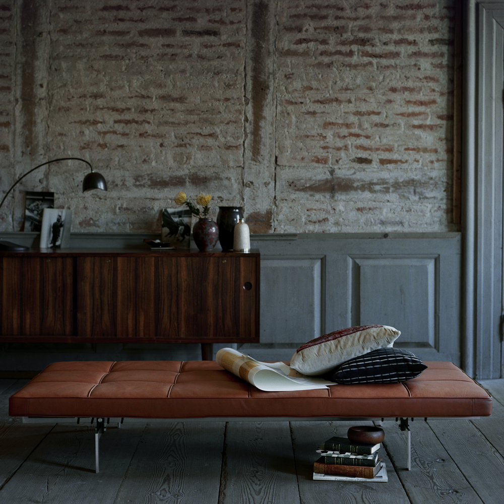 PK80 bench designed by Poul Kjaerholm for Fritz Hansen.