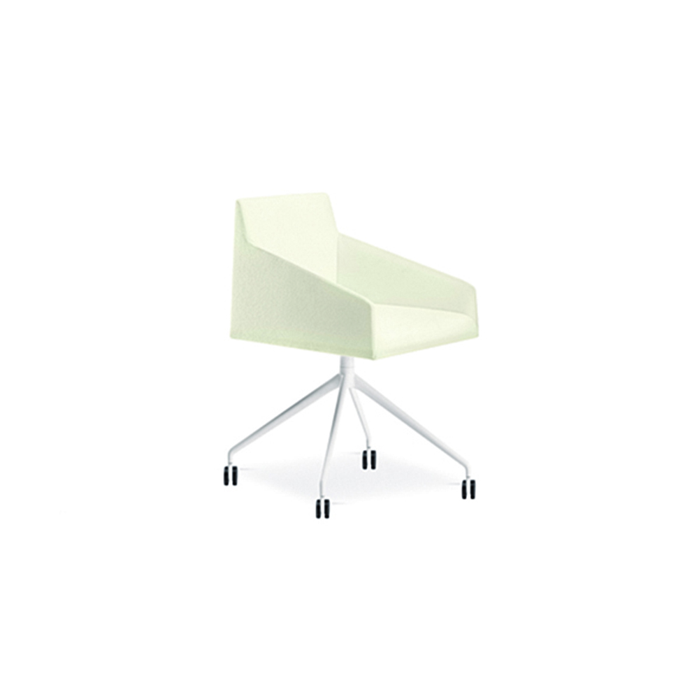 Saari Task chair designed by Lievore, Altherr, Molina for Arper