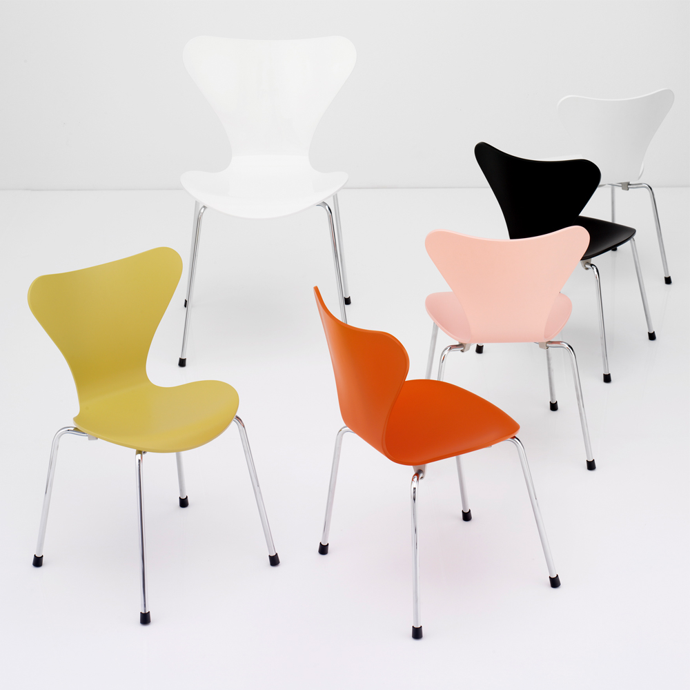 series 7 children 39 s chair arne jacobsen fritz hansen suite ny. Black Bedroom Furniture Sets. Home Design Ideas