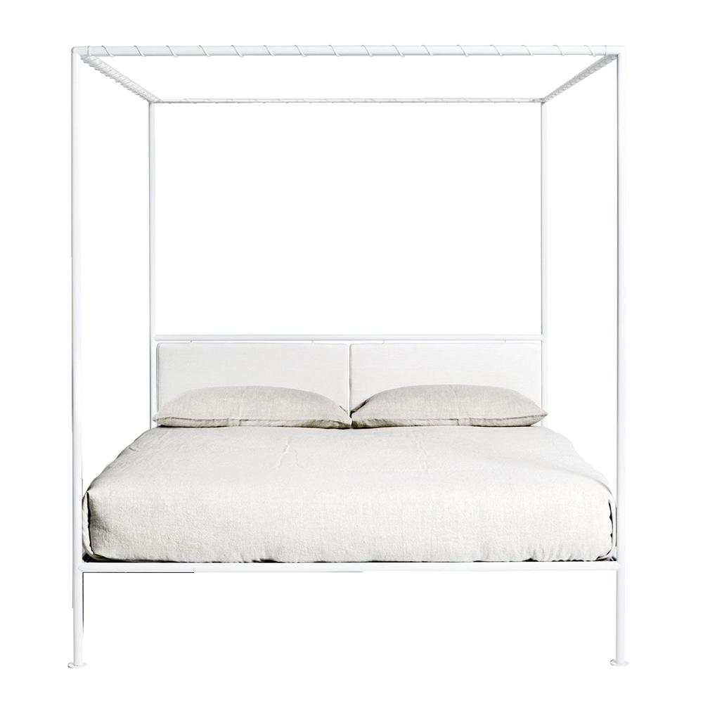 Asseman bed designed by Patrizia Cagliani for De Padova