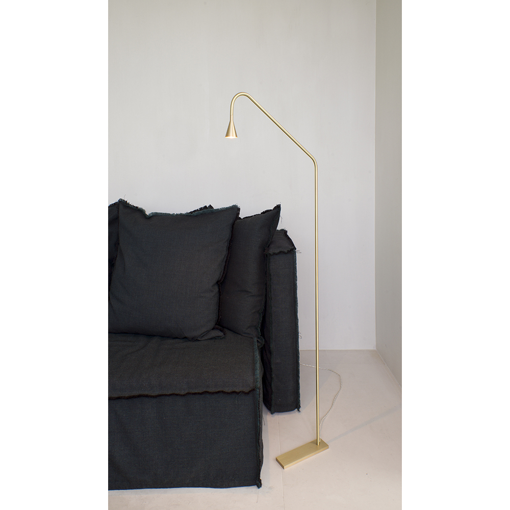 Austere Floor Lamp Hans Verstuyft Trizo21 modern gold floor lamp