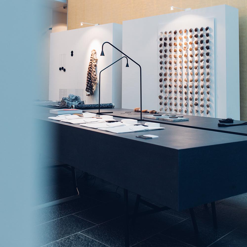 austere table lamp hans verstuyft trizo21 contemporary designer lighting