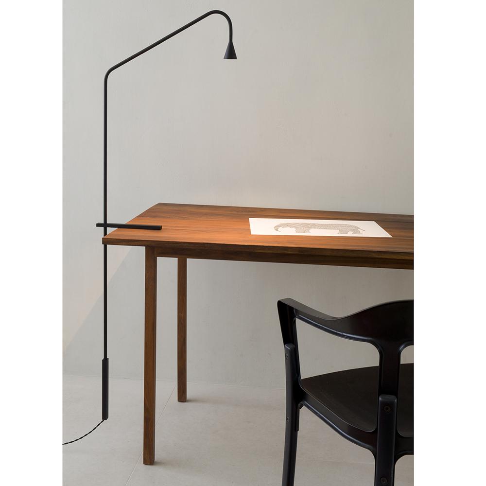 austere table lamp hans verstuyft trizo21 minimalist eco friendly office lighting