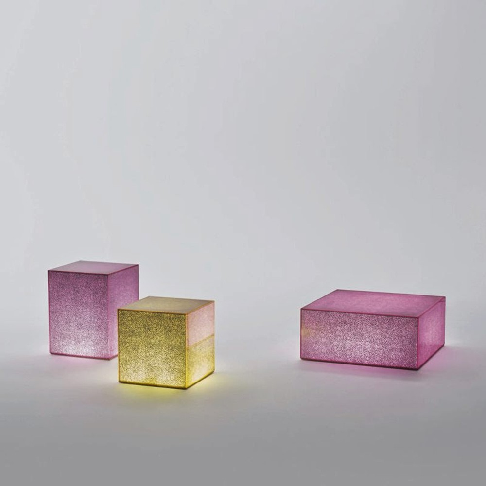 Crack table Johanna Grawunder glas Italia pink yellow