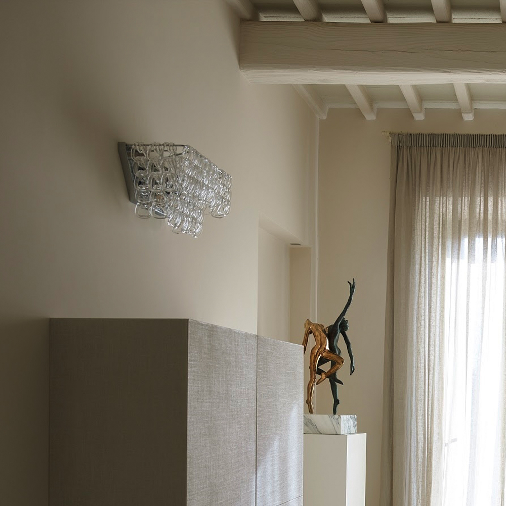 Giogali wall light designed by Angelo Mangiarotti for Vistosi
