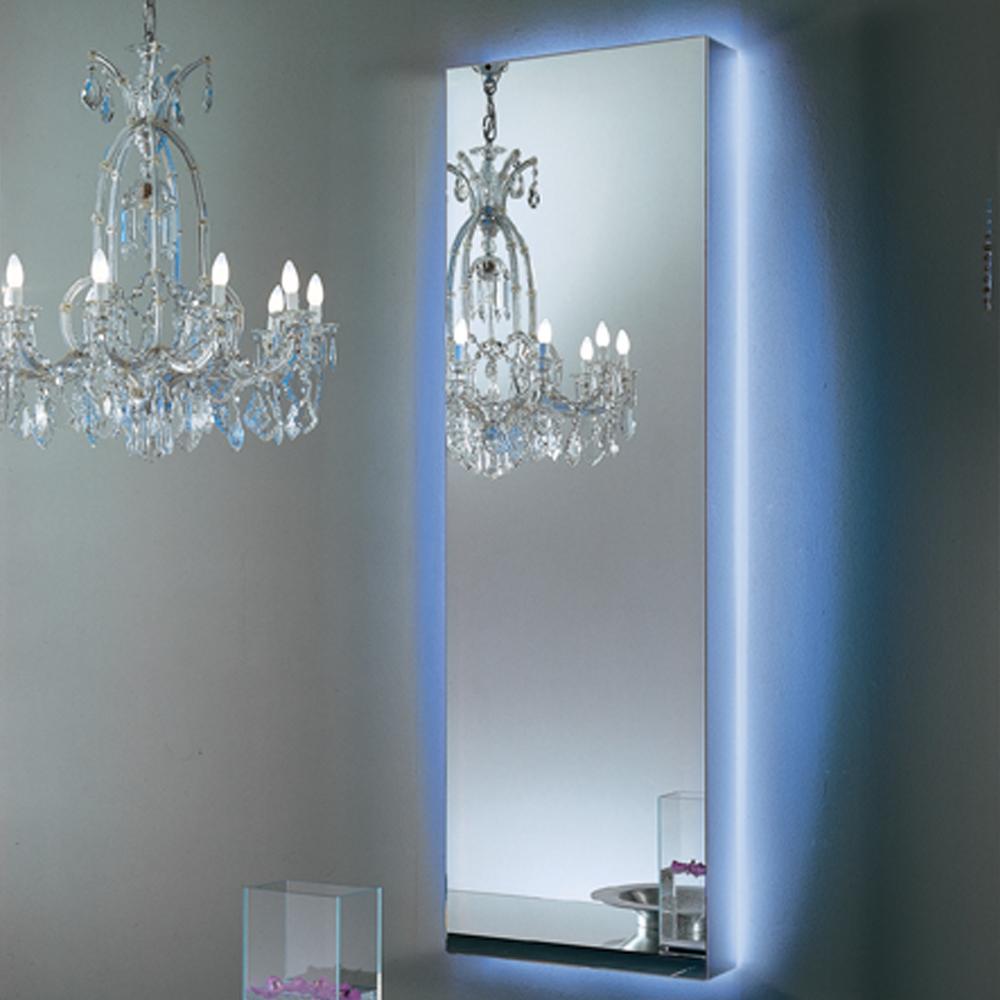 I Massi Spechi mirror designed by Claudio Silvestri for Glas Italia