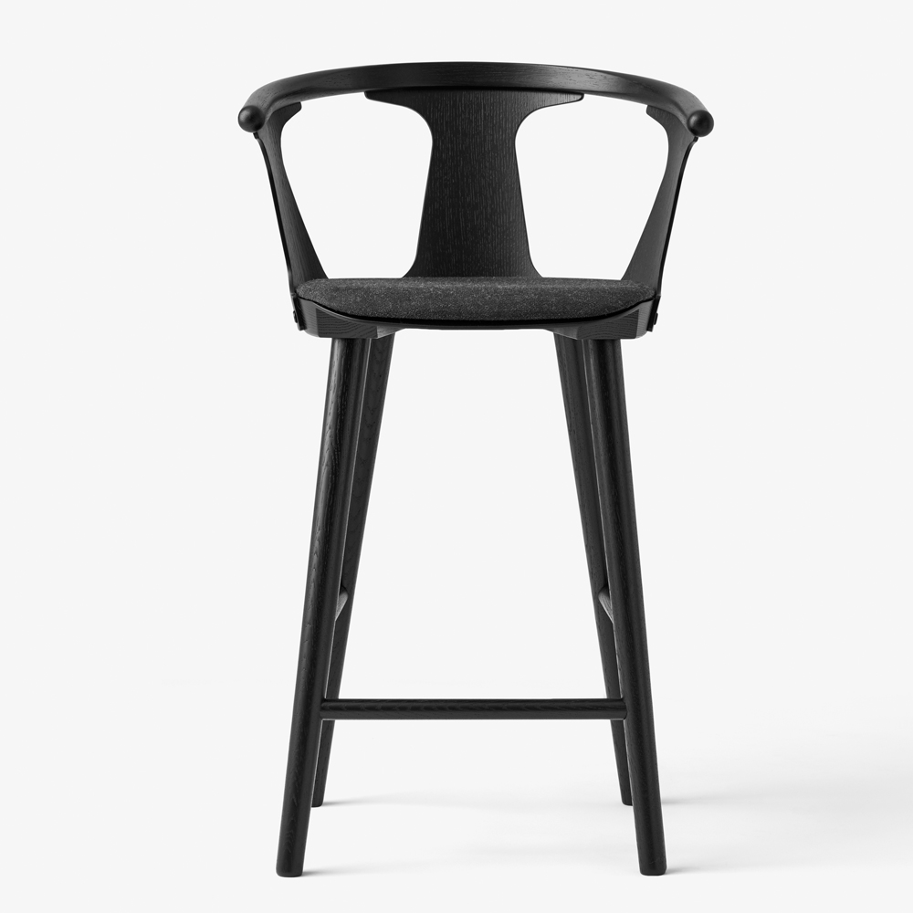 IN BETWEEN BARSTOOL BLACK STAINED OAK BLACK UPHOLSTERED SEAT