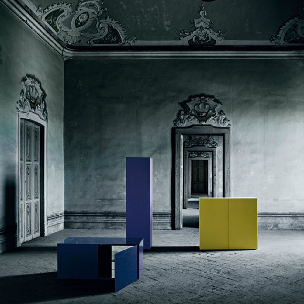 Magic Box Piero Lissoni Glas Italia blue yellow glass cabinet