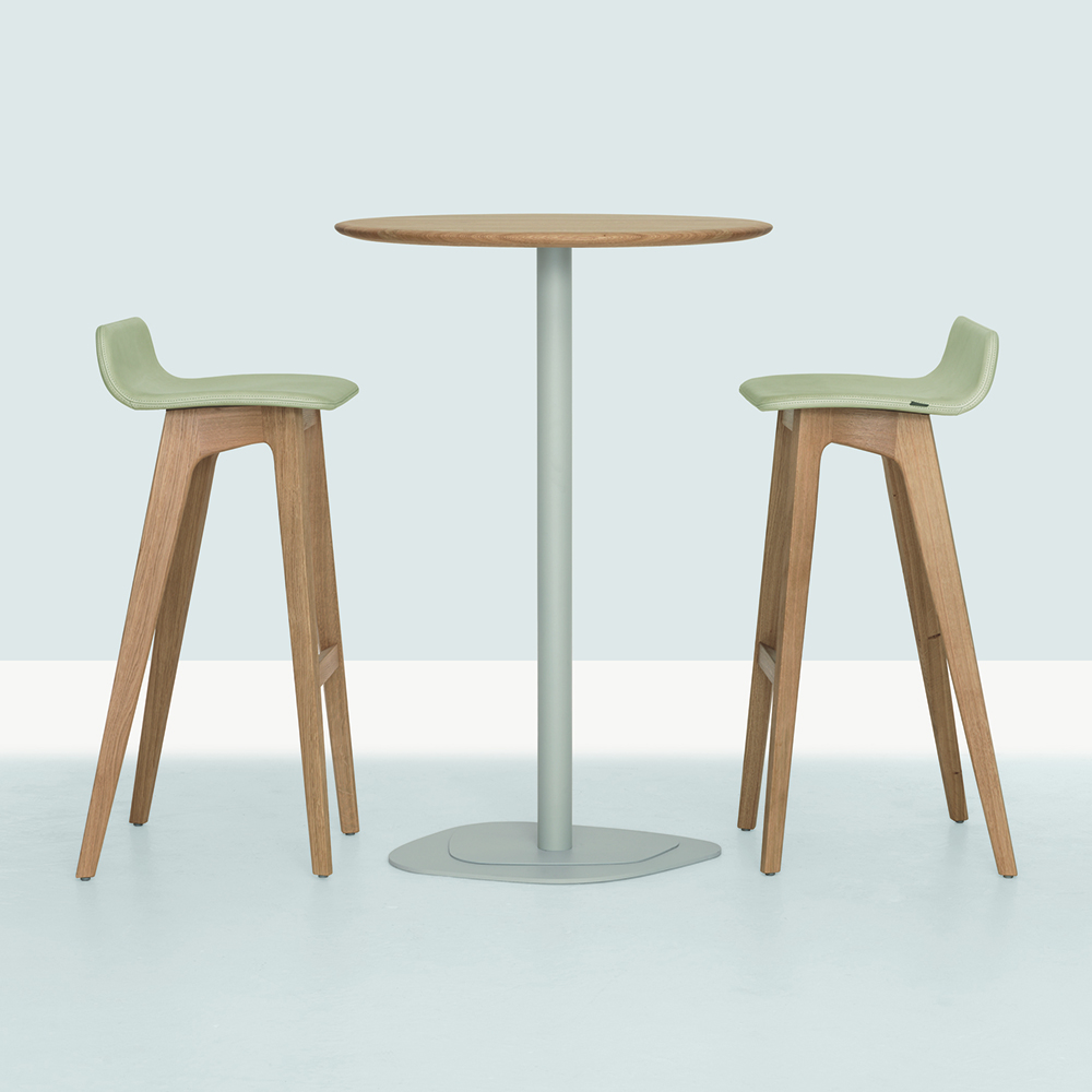 Morph Stool Walnut Formstelle Zeitraum Suite Ny