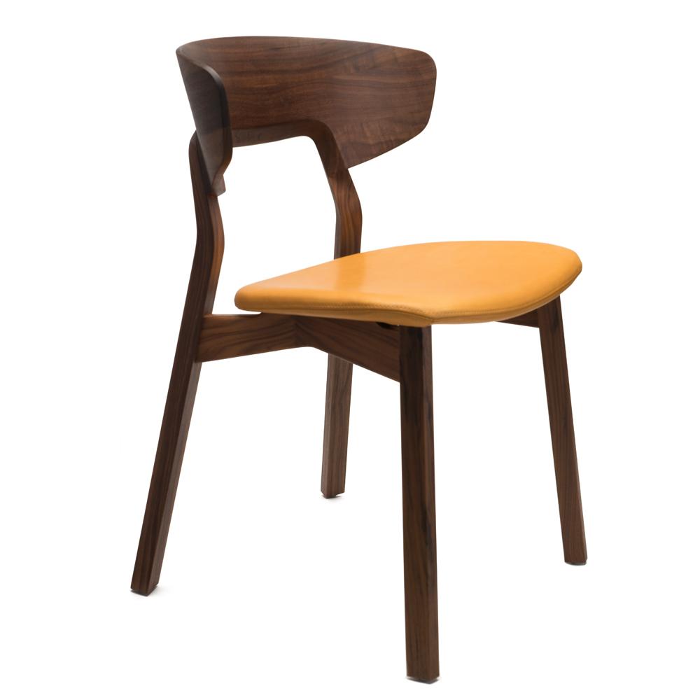 nonoto comfort zeitraum suite ny walnut orange leather Läufer and Keichel side view