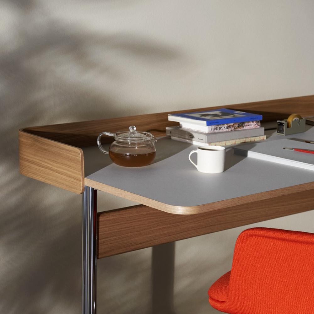 pavilion desk andtradition