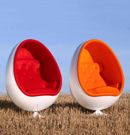 OVALIA CHAIR, Ovalia Egg Chair, Egg Chair, THOR-LARSEN, Orange chair, Red Chair, orange, red, Henrik Thor Larsen, Hanne Thor Larsen