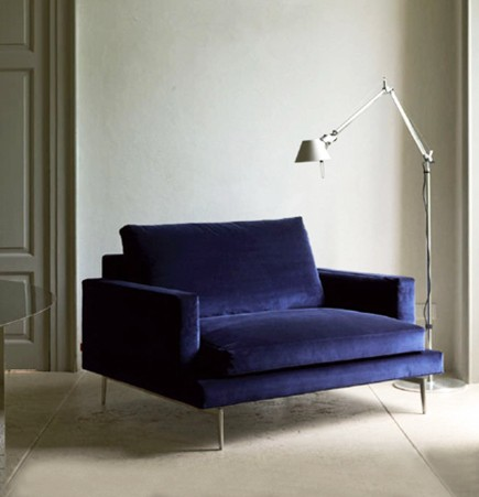 larsen armchair, crd verzelloni, blue velvet, solid wood, furniture, italian design, contemporary